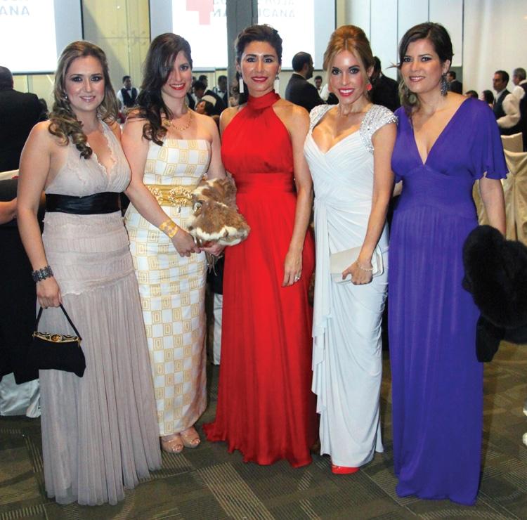 Melissa Gonzalez, Marissa Cervantes, Paola Navarro, Claudia Carrillo y Luisa Cruz.JPG