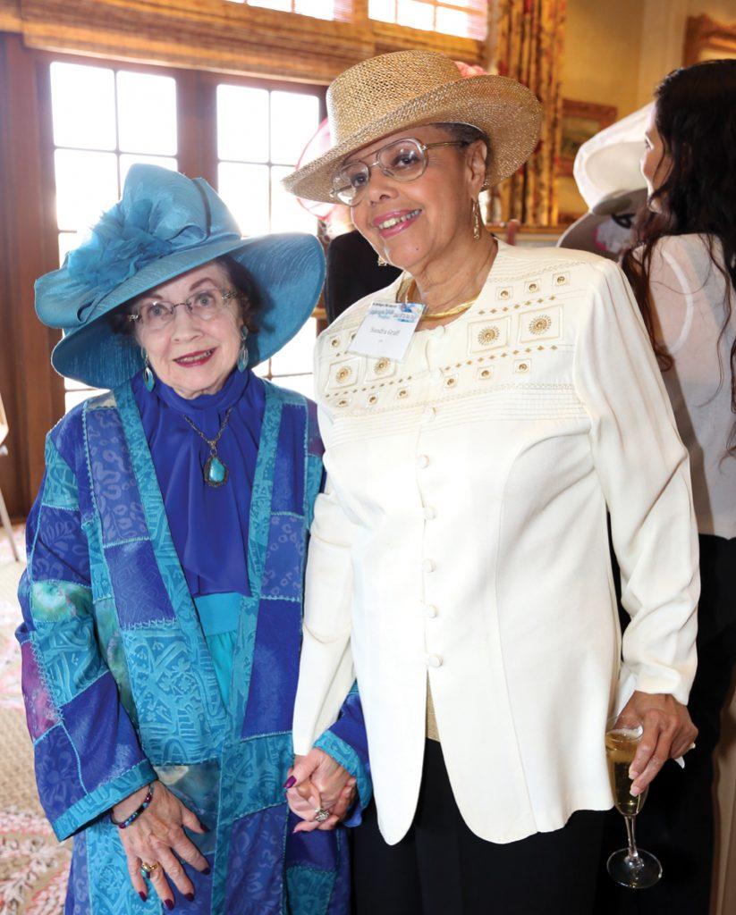 Merle Lotherington and Sandra Graff.JPG