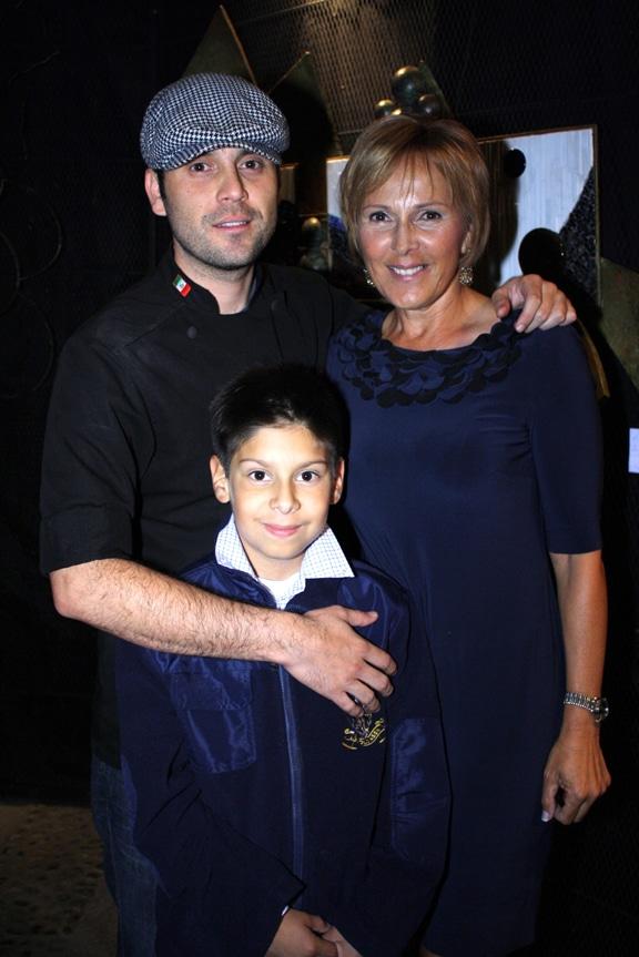 Moisas y Yolanda Valencia con Cid Arredondo