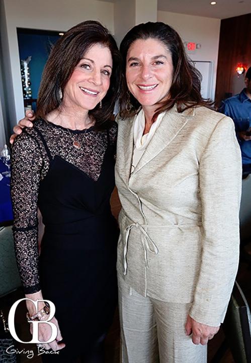 Monica Perlman y  Liza Tacher