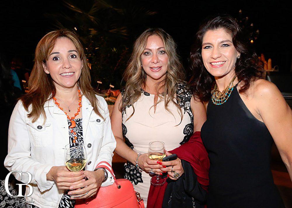 Nancy Losano  Giovanna Ruiz y Claritza Ariola
