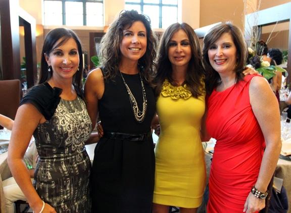 Norma Gonzalez, Mercedes Fimbres, Martha Torres y Ceclia Torres.JPG