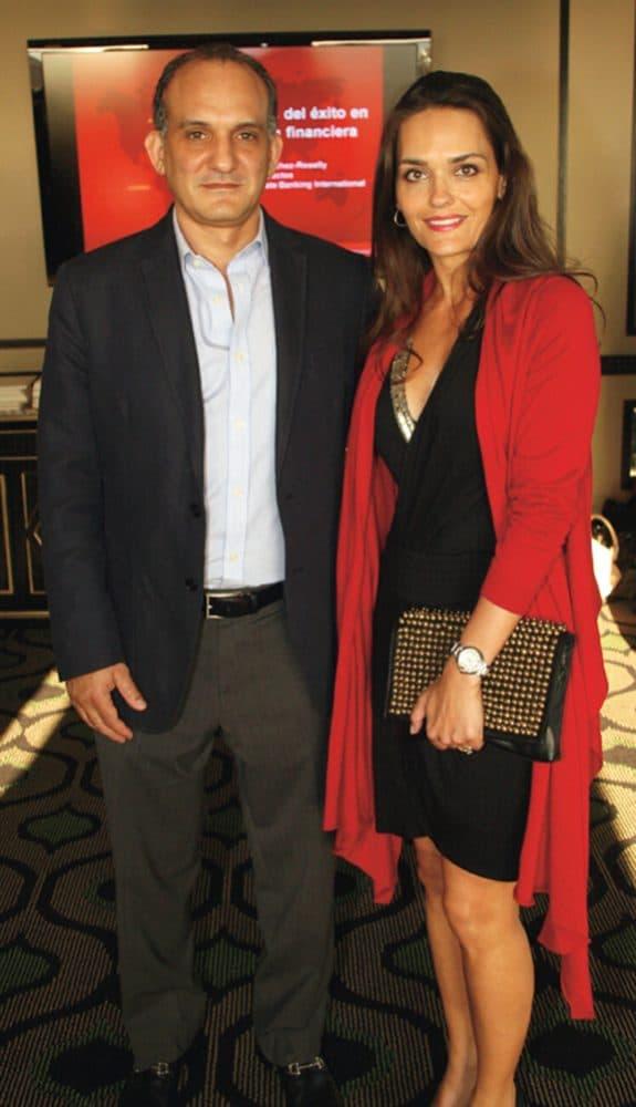 Pablo y Adriana Charvel.JPG