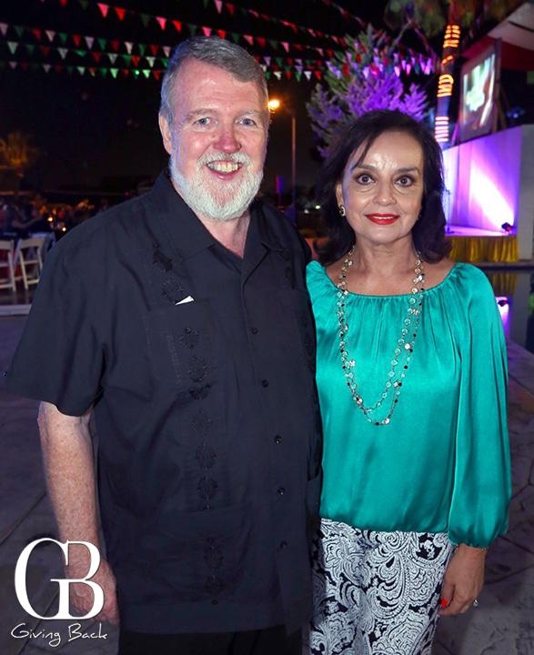 Padre Patricio Murphy y Martha Luisa Castro