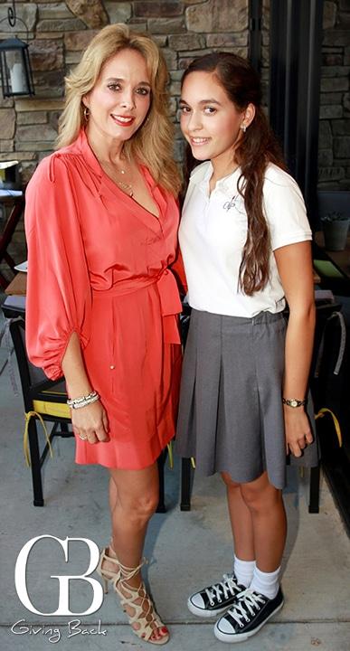 Paola Marin De Torres y Paola Torres