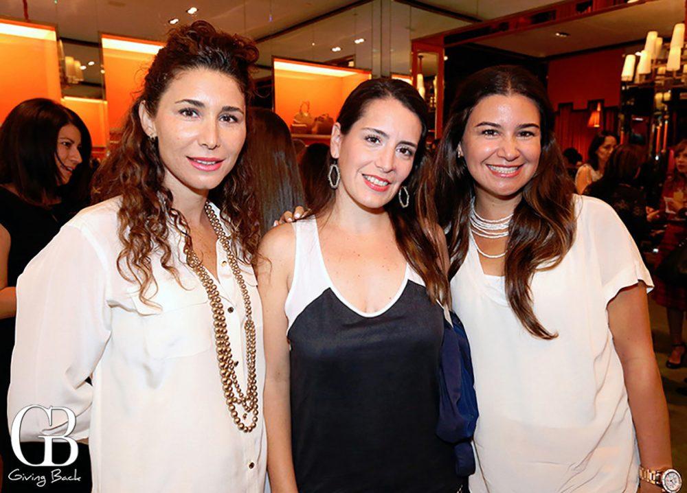 Paola Navarro  Yvette Nava y Isella Perez