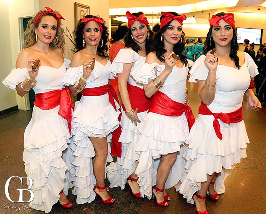 Paola Torres  Sorya Vildosola  Elisa Savoya  Erika Martinez y Mayra Molina