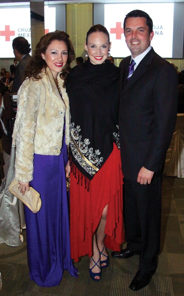 Patricia Hernandez, Maria Amalia Hussong y Enrique Duarte.JPG