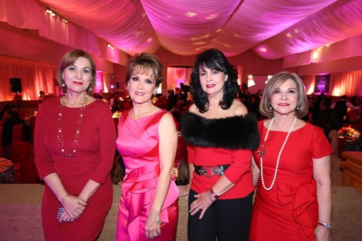 Patricia Ruiz, Lupita Camrena, Gloria Pavlovich y Diana Kuri.JPG