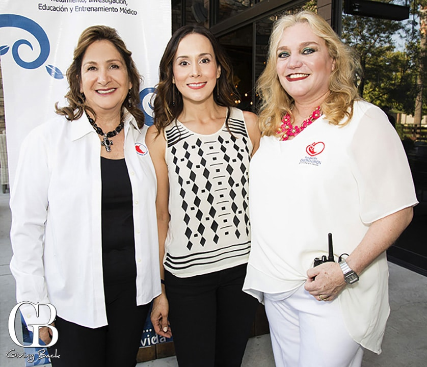 Patricia Saunderson  Myrna Rodriguez y Maritza Coppel