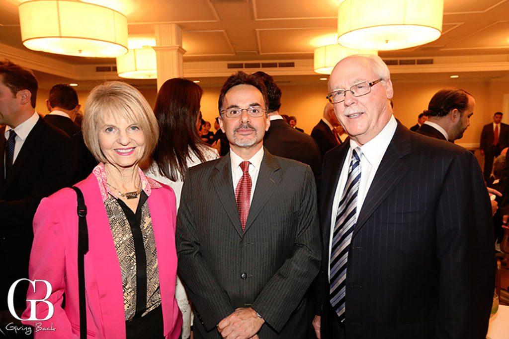 Phyllis Epstein  Consul Bruno Bath y Dan Epstein