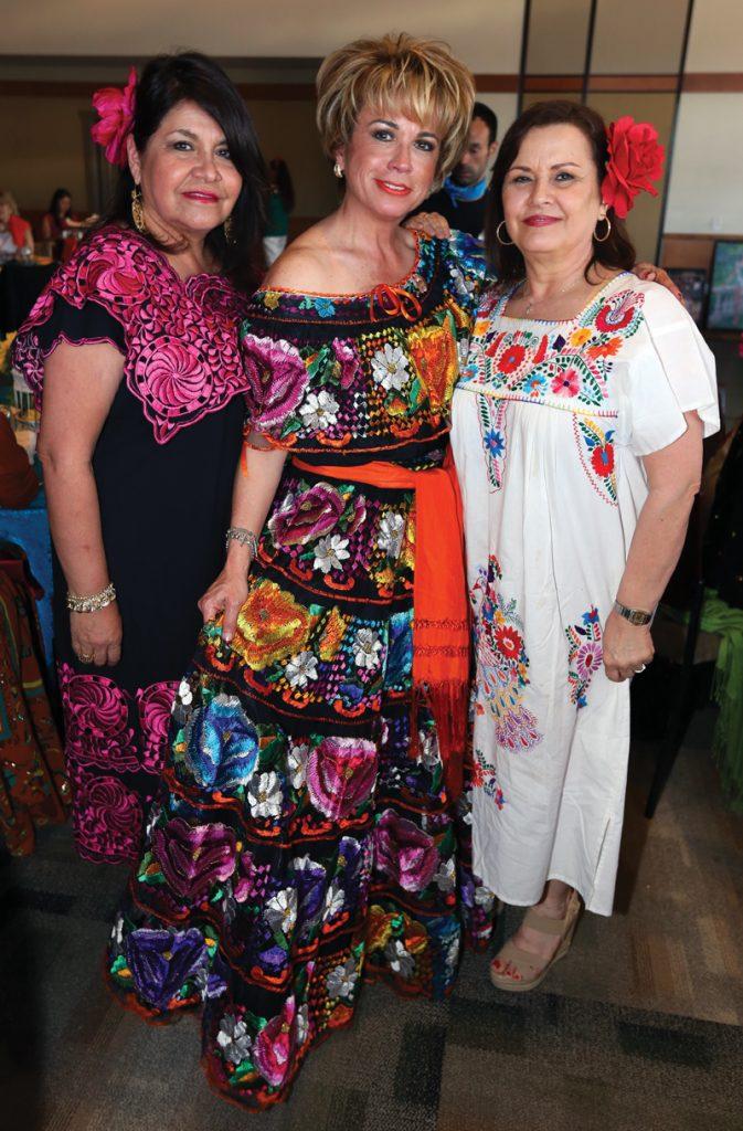 Pina Ley, Sylvia Gardon y Lupita Molina.JPG
