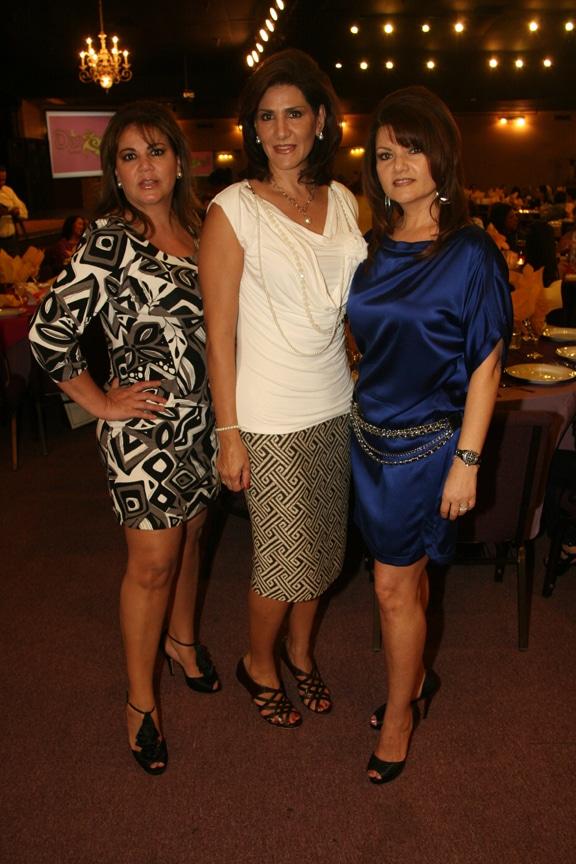 Raquel Spohn, Mayra Liman y Ofelia Magallon.JPG