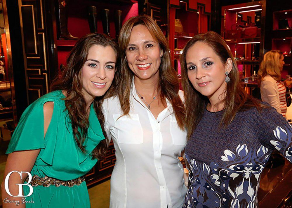 Rebecca Brambila  Claudia Teran y Veronica Fernandez