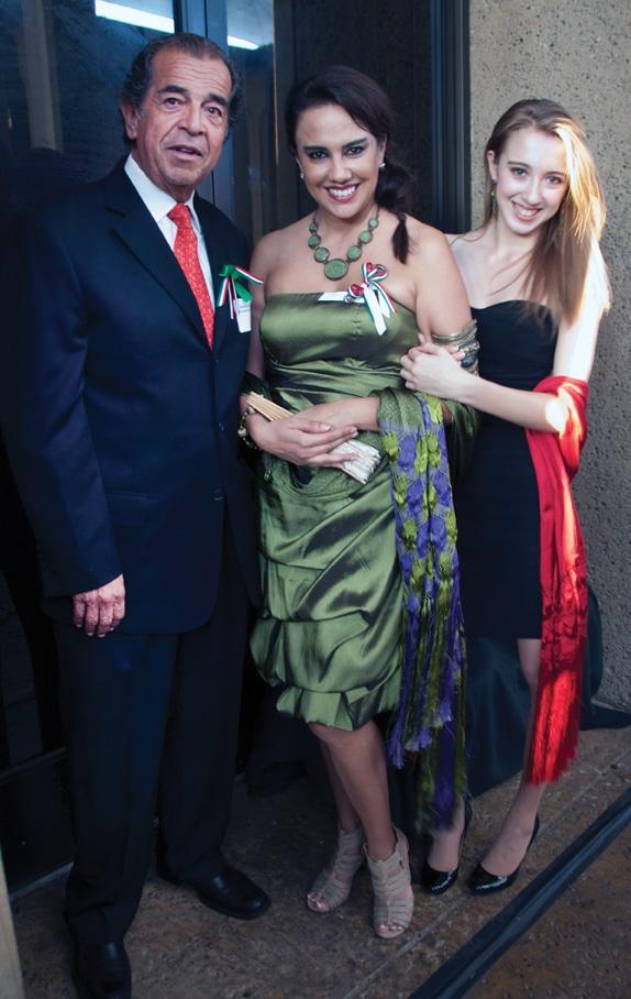 Roberto Cornejo, Mery Lopez Gallo and Natalia Velazquez.JPG