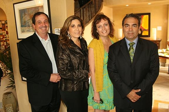 Roberto y Gloria Gratianne con Ana Maria y Luis Sanchez.JPG