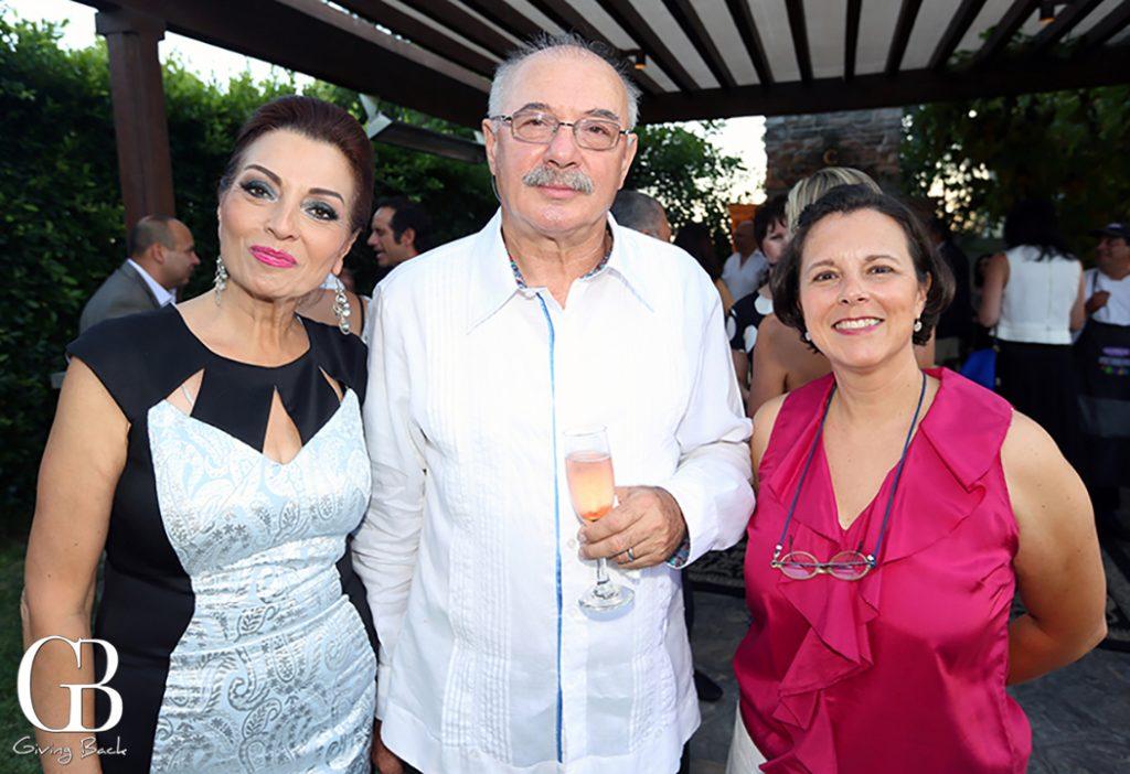 Rocio Galvan  Radomir Bojanic y Victoria Chavez