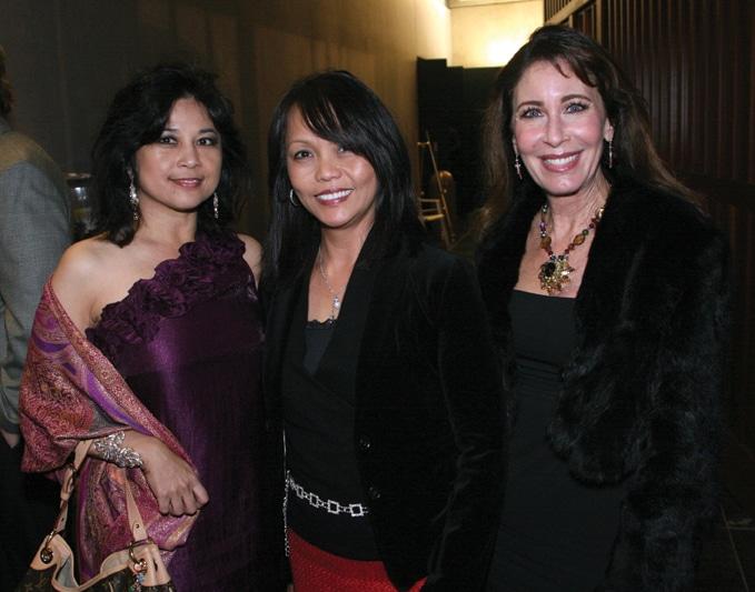 Rosanna Salcedo, Perla Brownlie and Sarah Miles.JPG