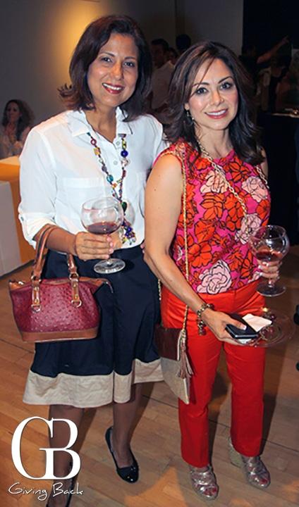 Rosanna Reyes and Yanira Newton