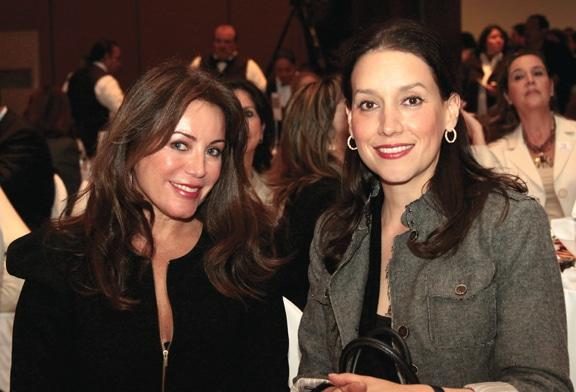 Rosella y Sandra Fimbres.JPG