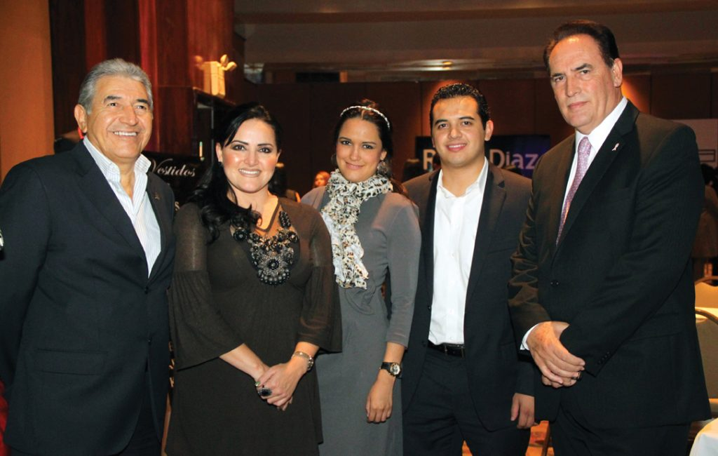Rufo Ibarra, Cecilia Osuna, Cecy Osuna Jr., Alonso Ibara y Jose Luis Hernandez.JPG