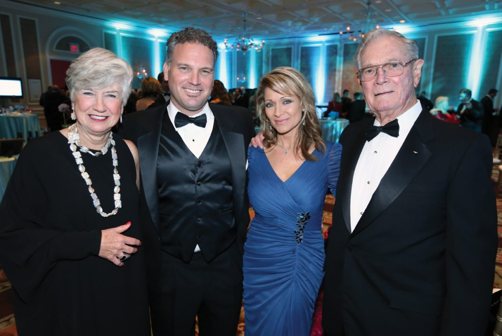 Sandy and Tommy Dodge with Linda Arnold and Mo Peele.JPG