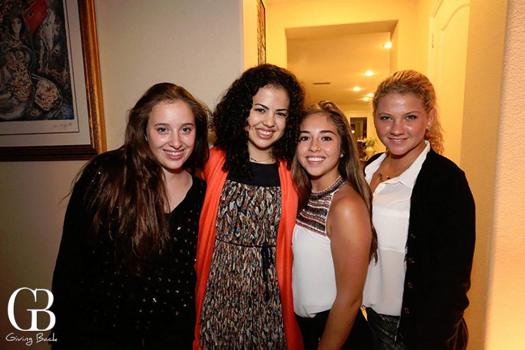 Sarah Honold  Daniela Coral  Kimberly Taboada y Sophia Vinas