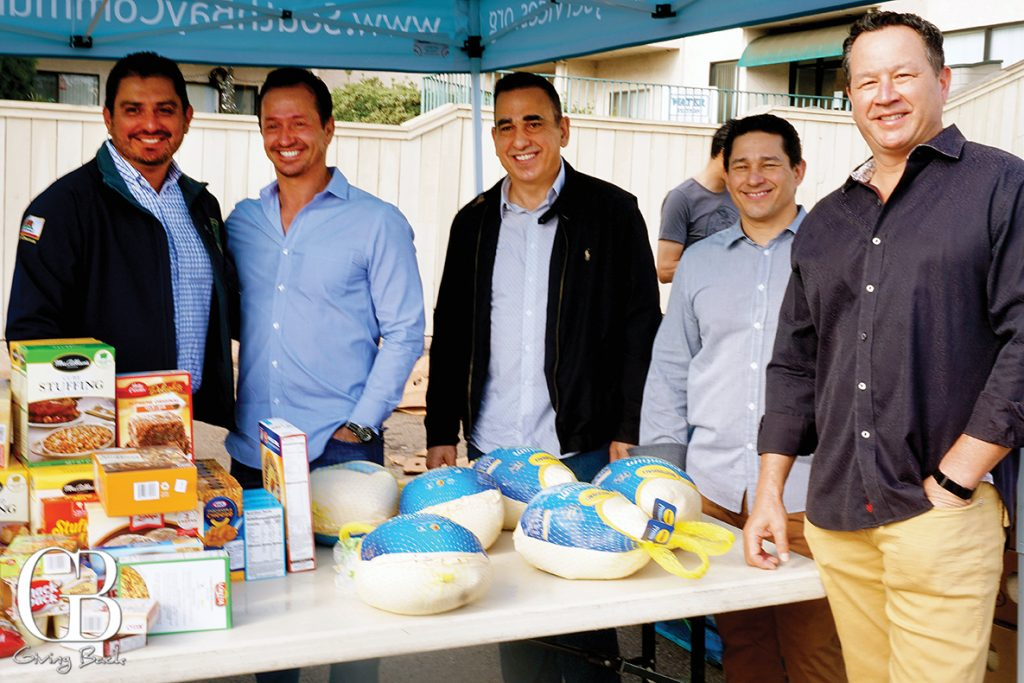 Seven Mile Staff help to distribute Thanksgiving Dinner to South Bay Families