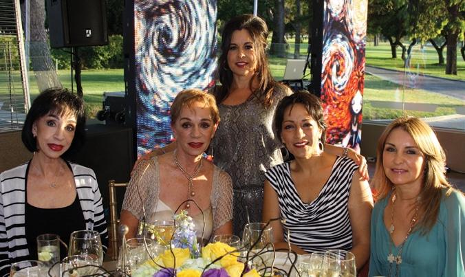 Silvia y Guadalupe Raphael con Gloria Labastida, Veronica Gonzalez y Ovedia Lopez