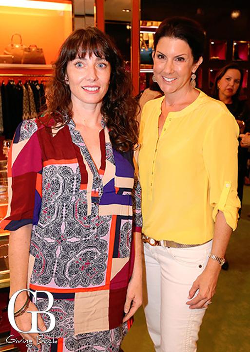 Stacie Devitt y Valerie Frost