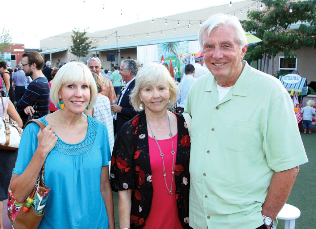 Stephanie Wilde with Brenda and Lloyd Hubbs.JPG