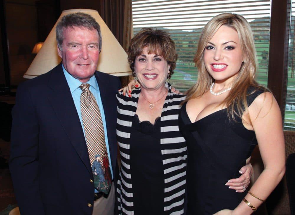 Steve and Elyse Simons with Leslie Marcus.JPG