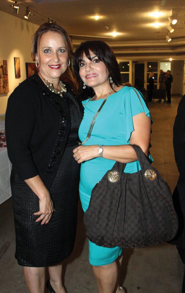 Susanah Honold y Marisa Sadeghi +.JPG