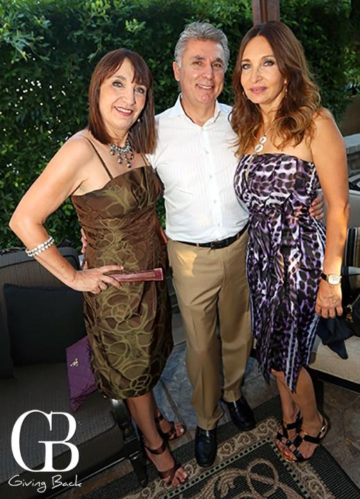 Susy Otanez  Salvador Ledesman y Brenda Otanez