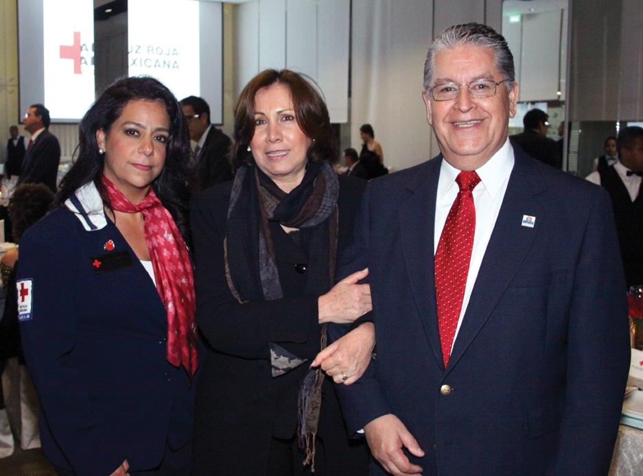 Tatiana Michel con Beatriz y Jaime  Romo.JPG