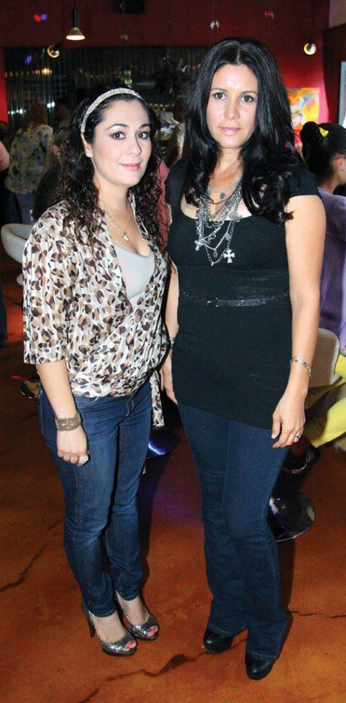 Tracy Brambila y Isela Gonzalez.JPG
