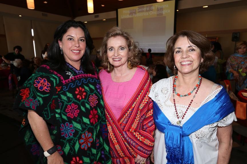 Veronica Jarque con Rosamelia y Lucia Lopez Platt.JPG