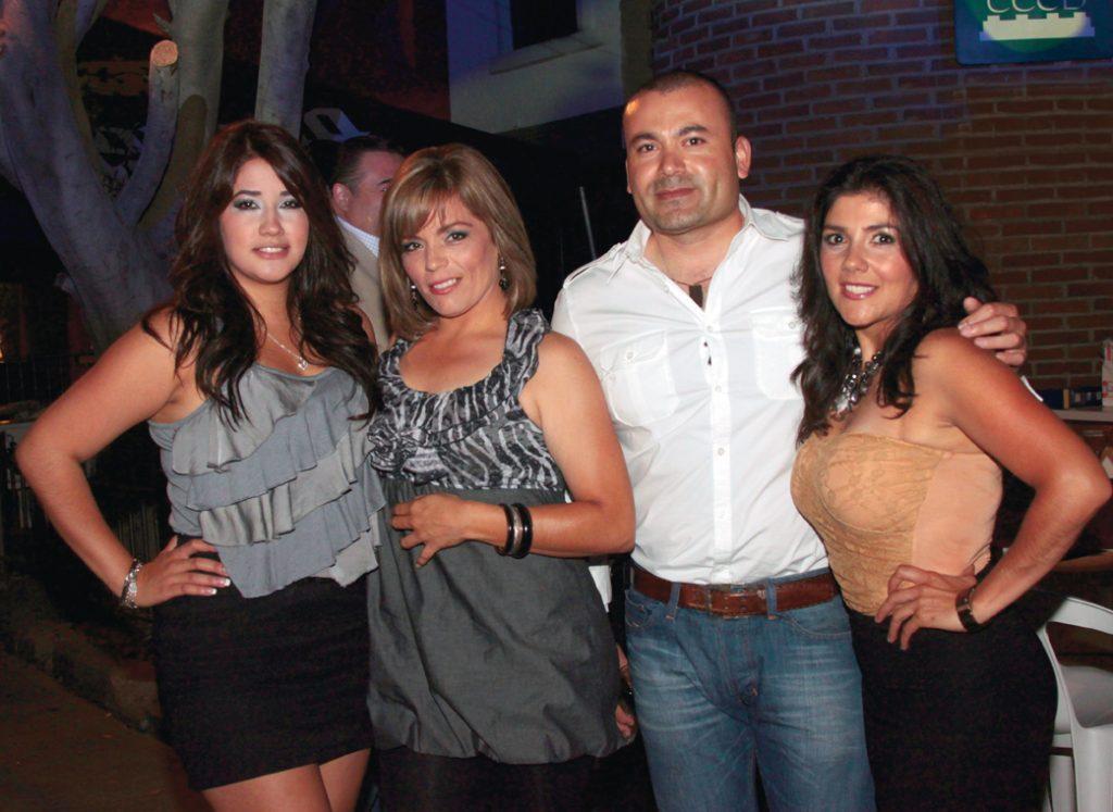 Viviana Navarro, Marcia Rabago, Ernesto Huerta y Laura Navarro.JPG