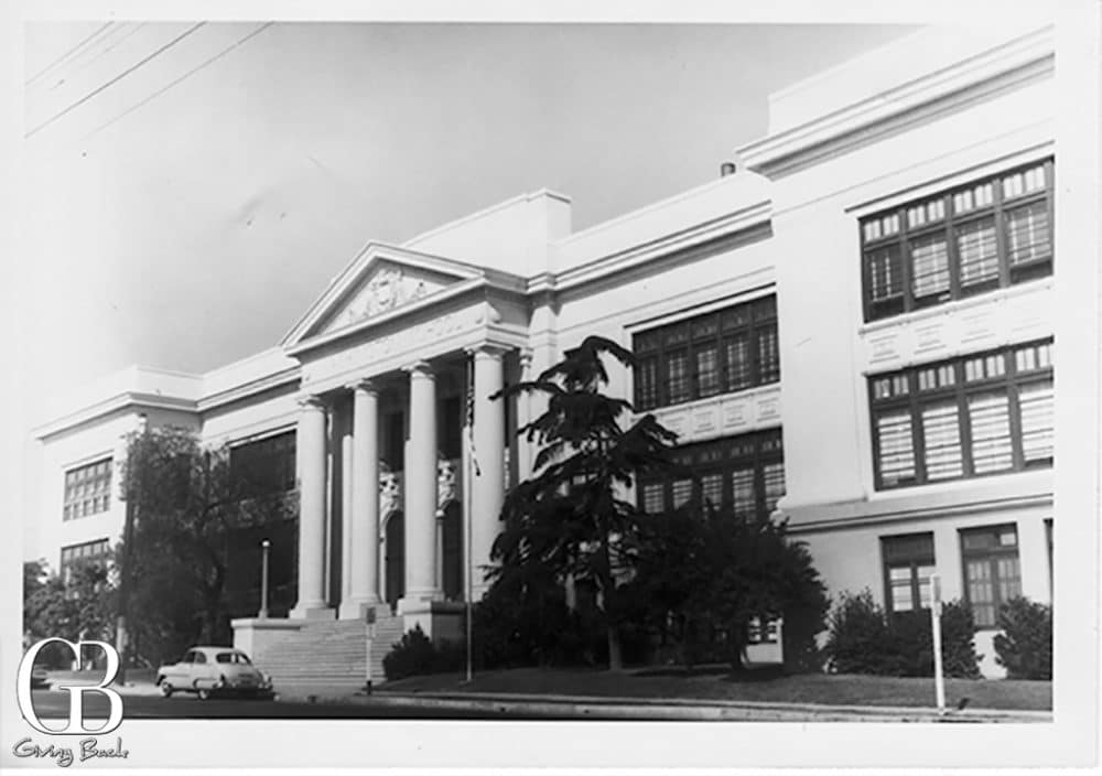 Washington Elementary School was architecturally modeled after the White House