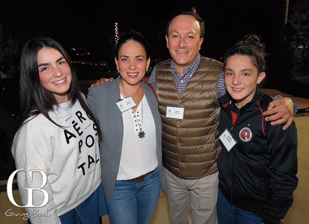 Ximena Arellano  Yenni Beltran with David and Camila Arellano