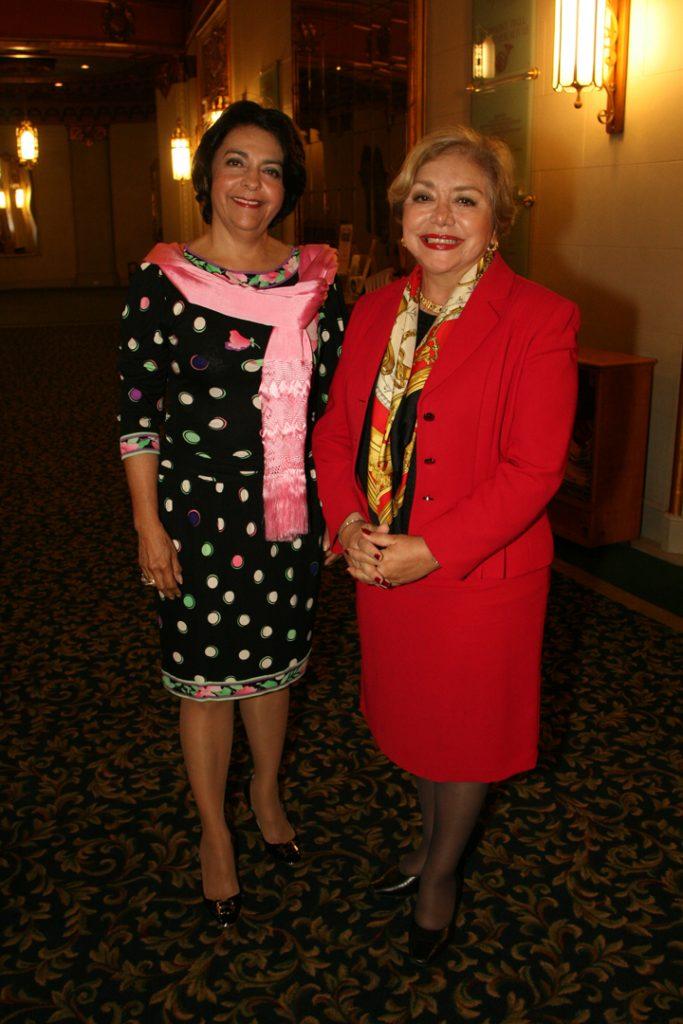 Yolanda Walther Meade y Elsa Arnaiz.JPG