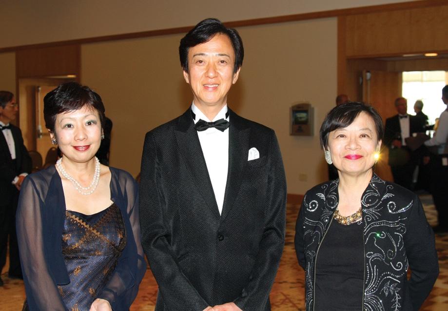 Yuko Kifu, Tamasaburo Bando and Lilly Cheng.JPG