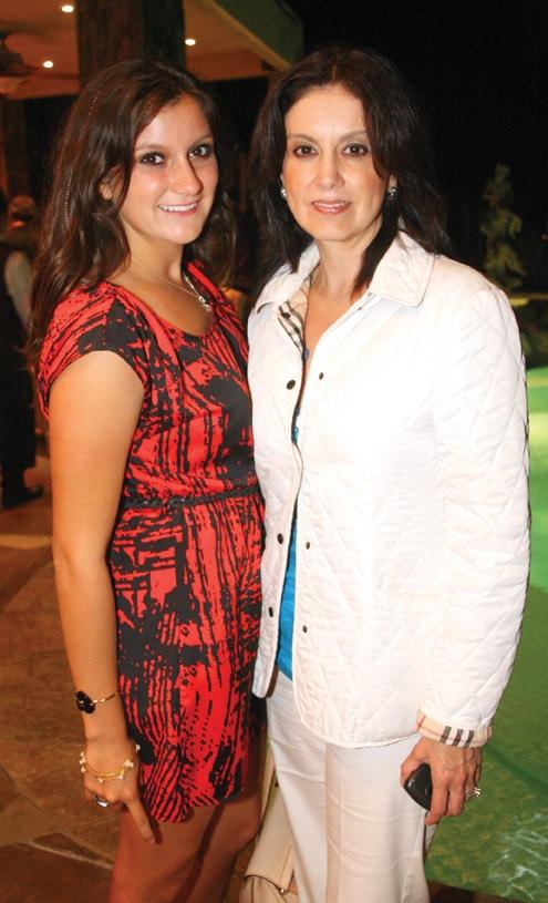 Yuliana y Julia Encinas.JPG
